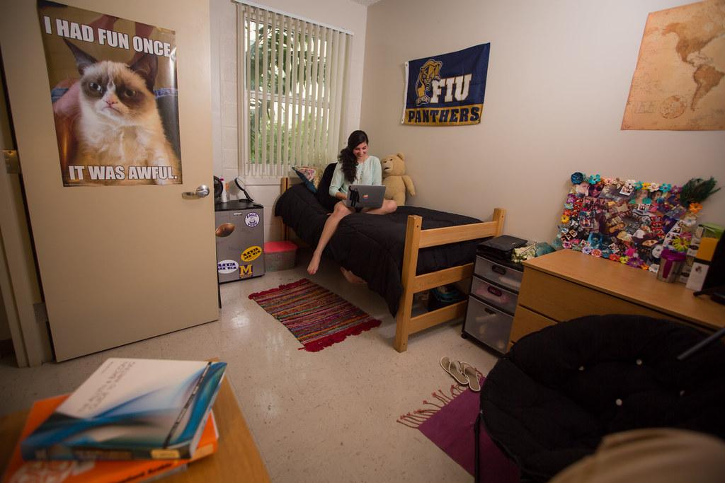 Lakeview Dorm Rooms Freshman Housing Shoot Fall 14