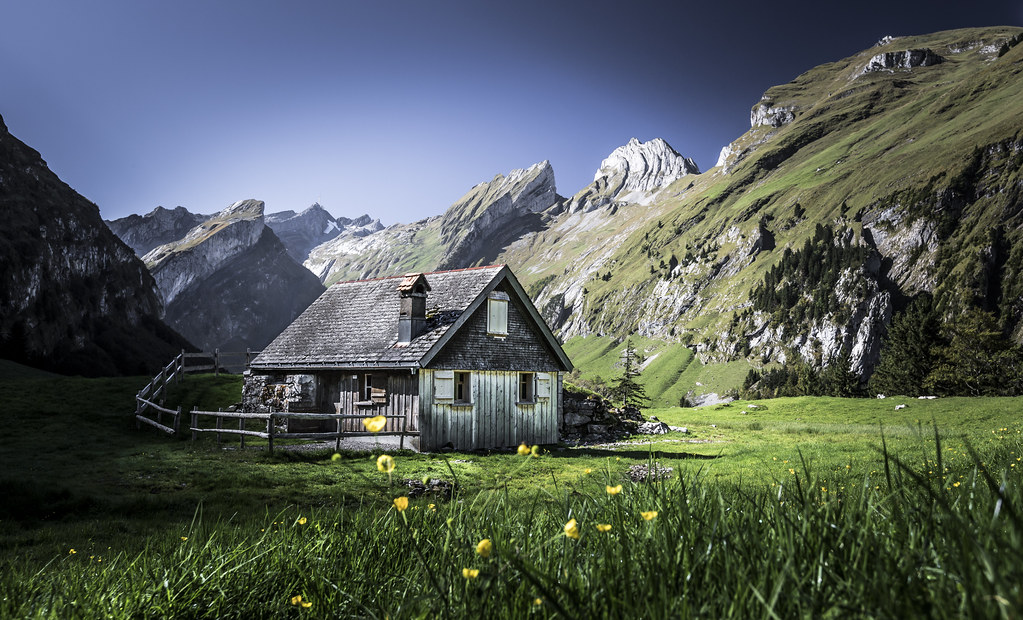 Swiss alpine cabin 500px and twitter for Paesaggi bellissimi per desktop