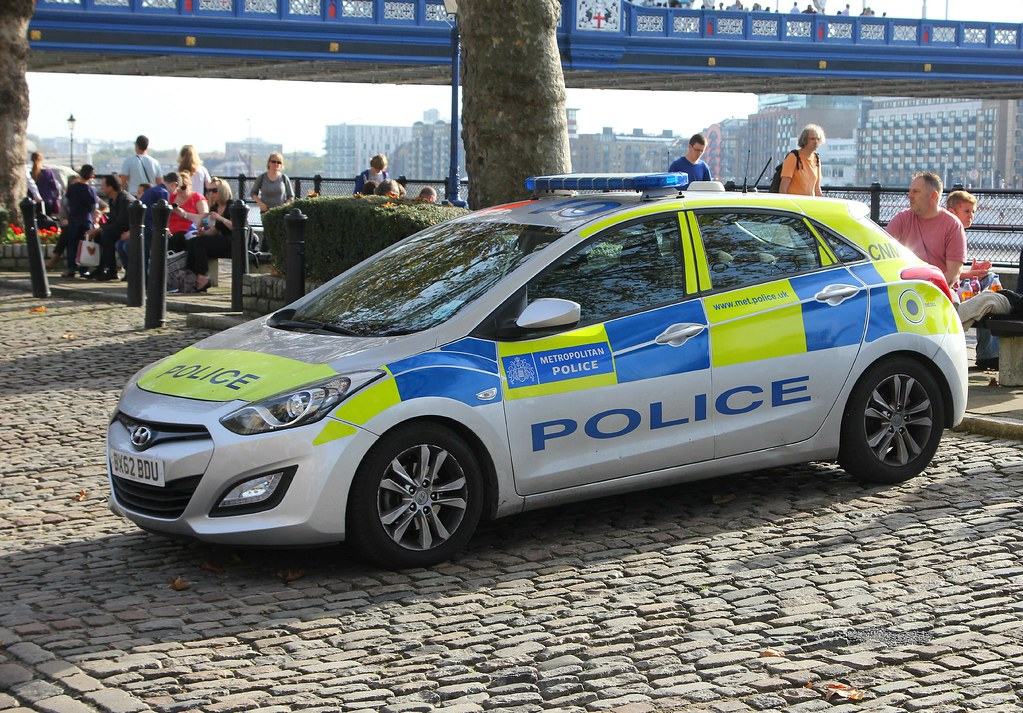 metropolitan police hyundai i30 bx62bdu metropolitan. Black Bedroom Furniture Sets. Home Design Ideas