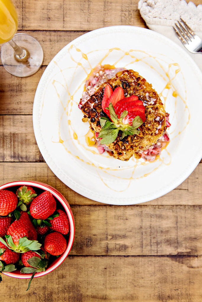 how to make strawberry stuffed french toast