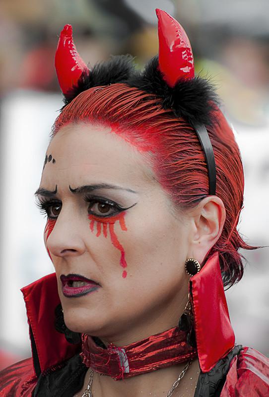 C2436 La Diabla Llora Sangre En El Sabado De Pinata De Ast Flickr - Como-maquillar-a-una-diabla