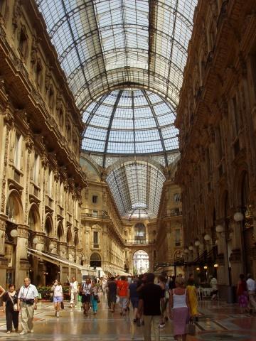 Interior de la Galería Victor Manuel II (Uno de los imprescindibles que ver en Milán)