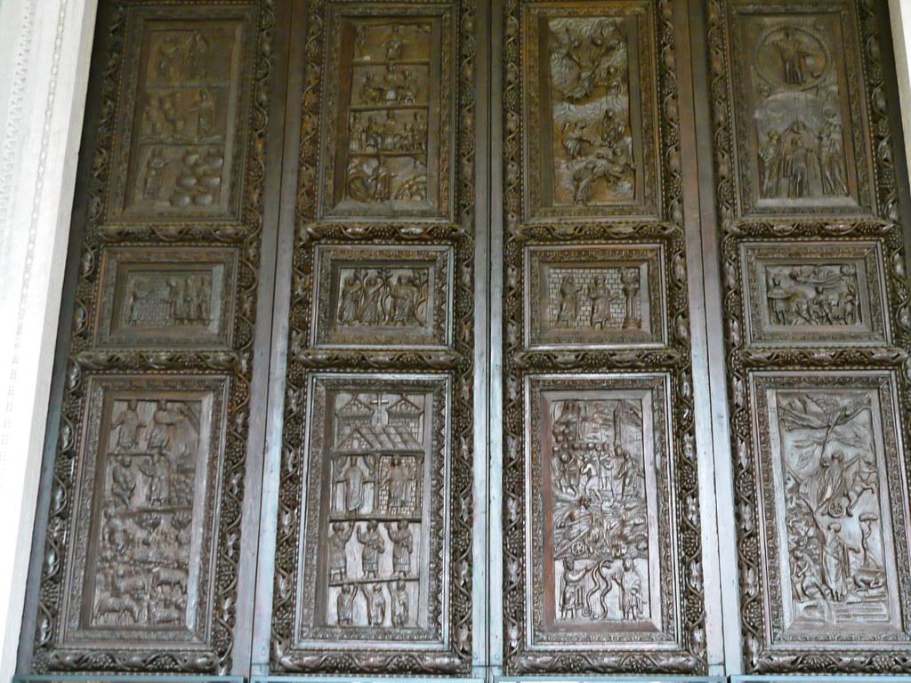 Rome italie sur l 39 aventin sainte sabine santa sabina flickr - L encadrure de la porte ...