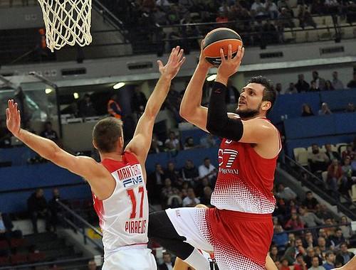 L'Olimpia lotta fino alla fine, perde 91-81 al Pireo