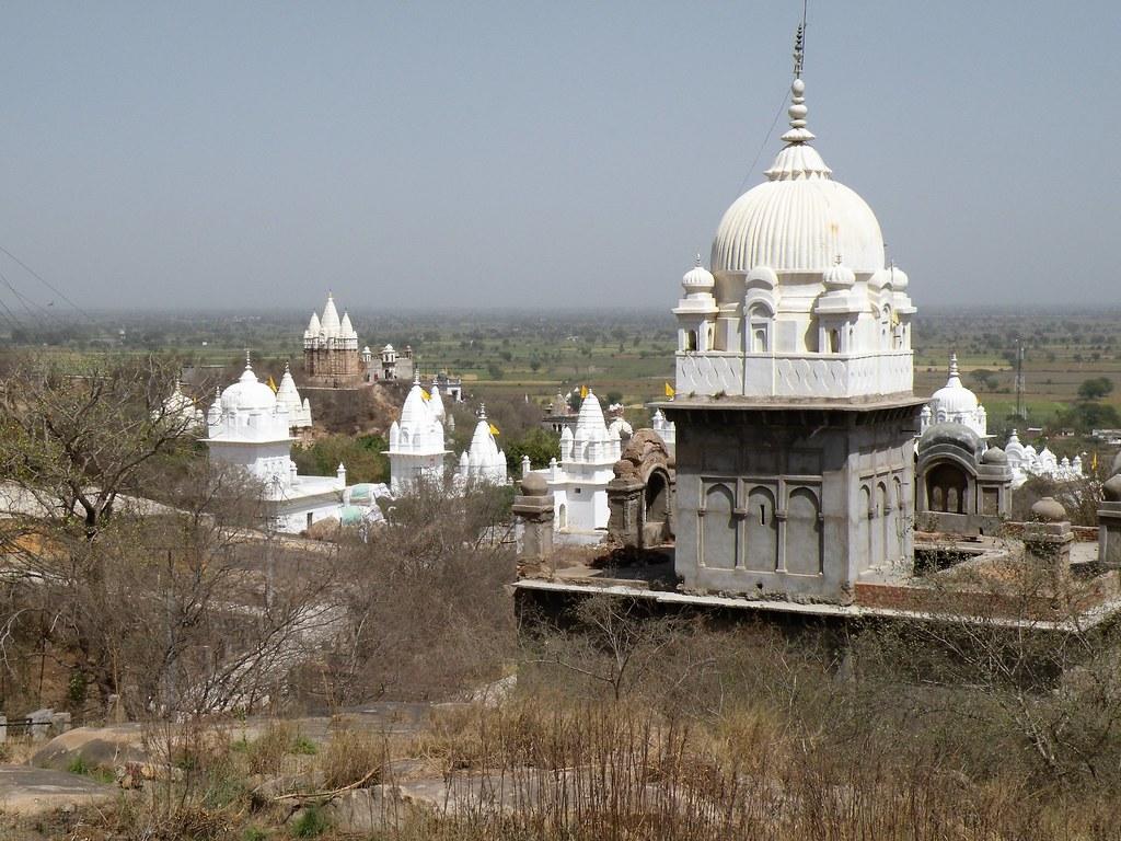 Sonagiri temples | Jain Digambara temples at Sonagiri ...