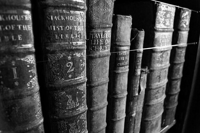 Books in Black and White. | Becca Swift | Flickr Books Photography Tumblr Black And White