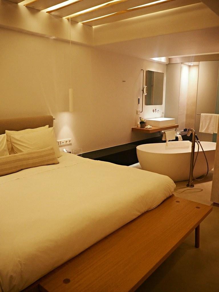 Bill & Coo suites mykonos room