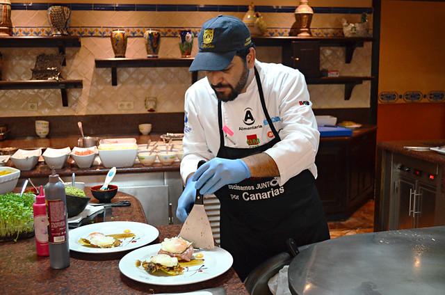 Fresh eggs Benedict, Hotel Buffet, Hotel Villa Cortes, Playa de las Americas, Tenerife