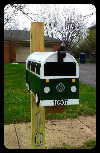 Hunter Green Bay Window Mailbox by TheBusBox