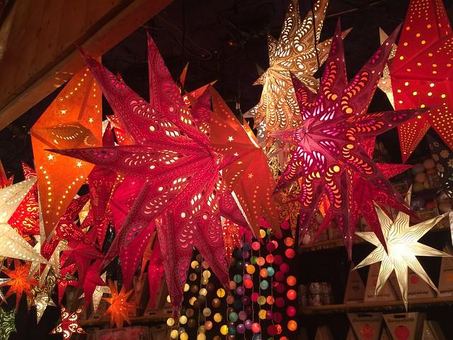 Estrellas de Navidad en Aschaffenburg (Norte de Baviera, Alemania)