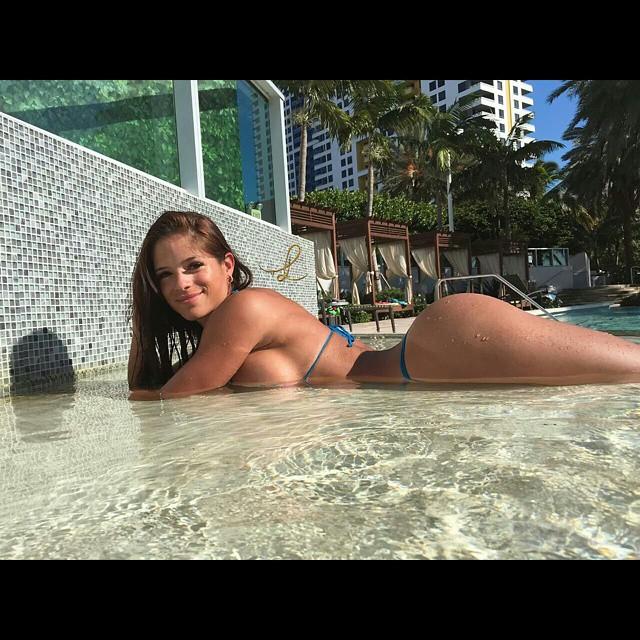 Cylia Malki Nude Photos 2