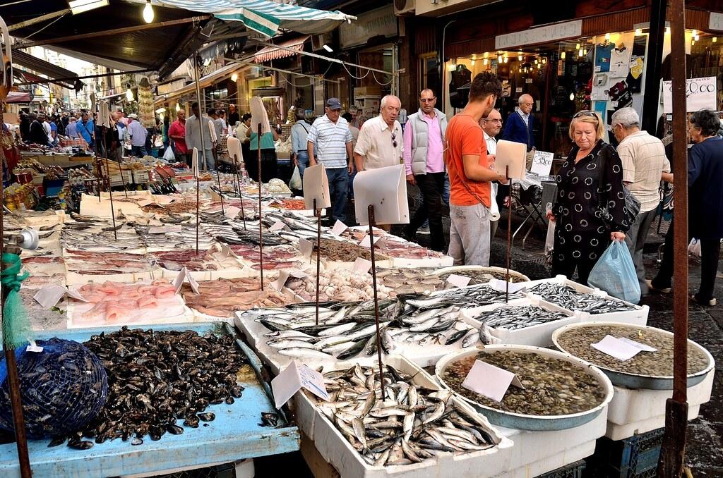 Mercato di porta nolana is not the most picturesque place - Mercato di porta nolana ...