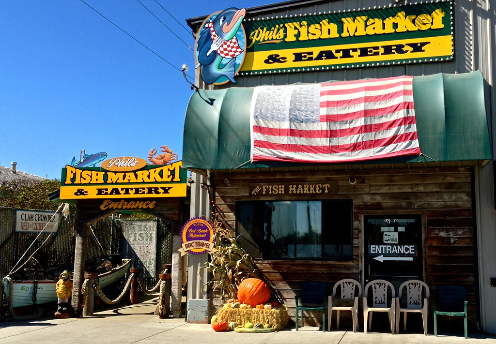 Phil 39 s fish market eatery lunch here in moss landing for Phil s fish market eatery