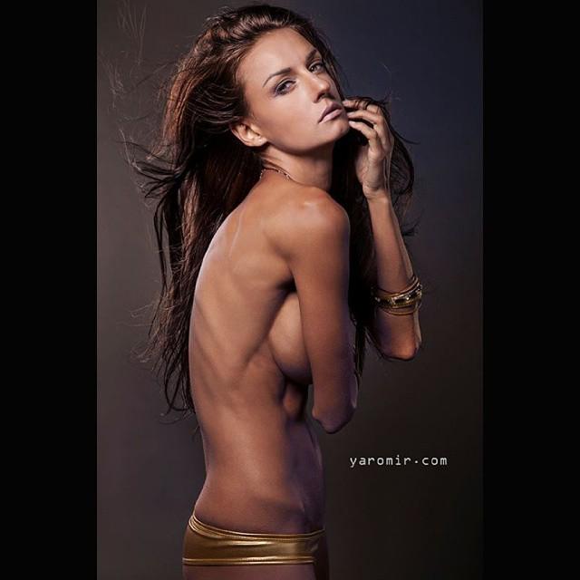 Nude Supermodel Gallery 12