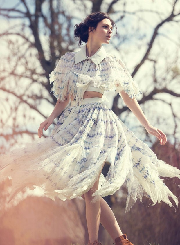Vittoria-Ceretti-Vogue-China-David-Bellemere-02-620x844