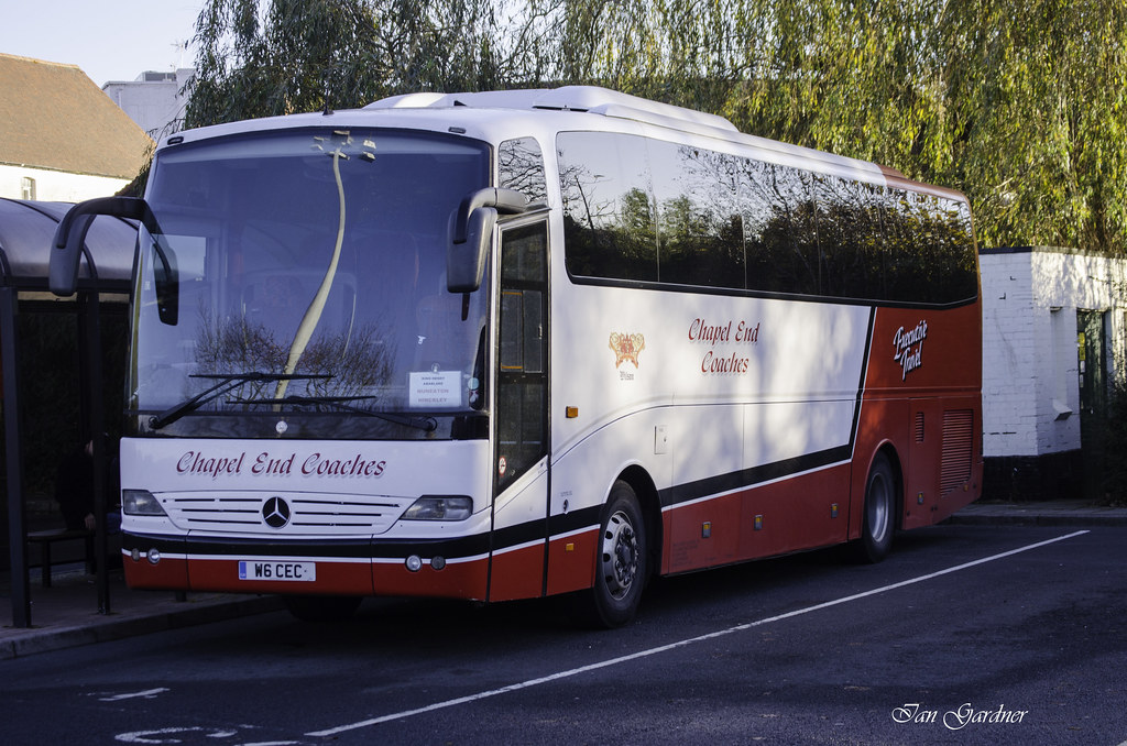 Mercedes benz tour coach chapel end coaches nuneaton for Mercedes benz touring coach