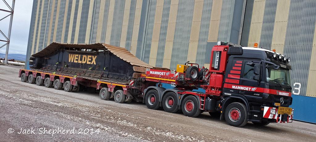 Mammoet Mercedes Actros 4165 Titan 8x4 Moving The Weldex