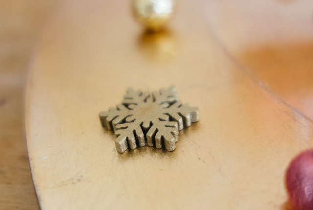 snowflake shaped bead