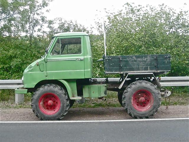Mercedes benz unimog small 4x4 truck flickr photo for Mercedes benz small trucks
