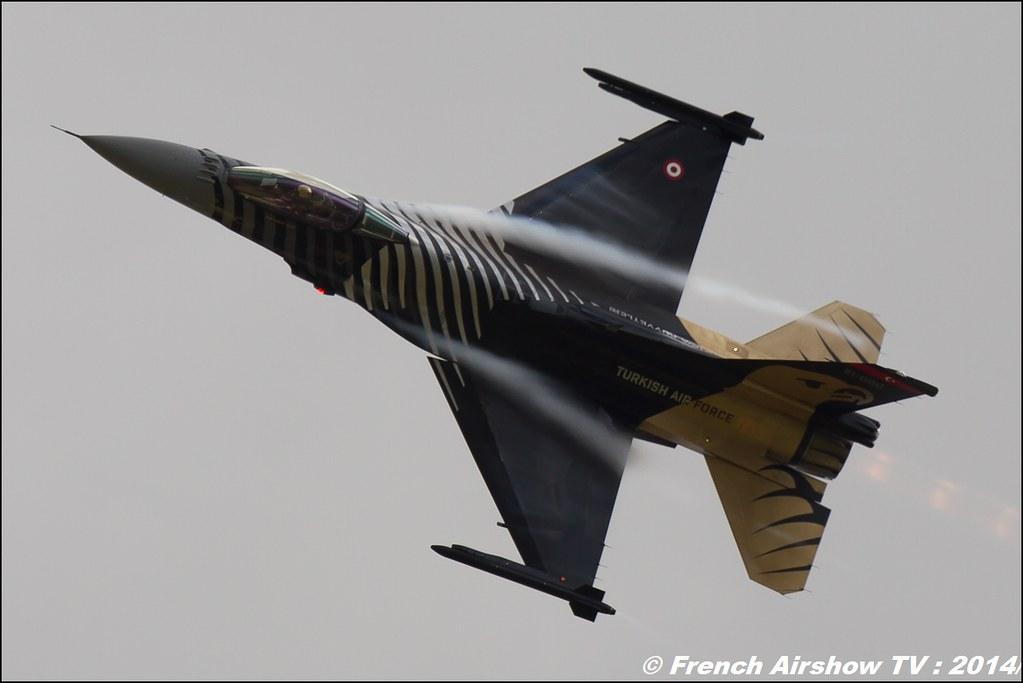 F-16 Solo Turk display , F-16 Solo Display Türk , F-16 Fighting Falcon , RIAT , Royal International Air Tattoo 2014 , Meeting Aerien 2014