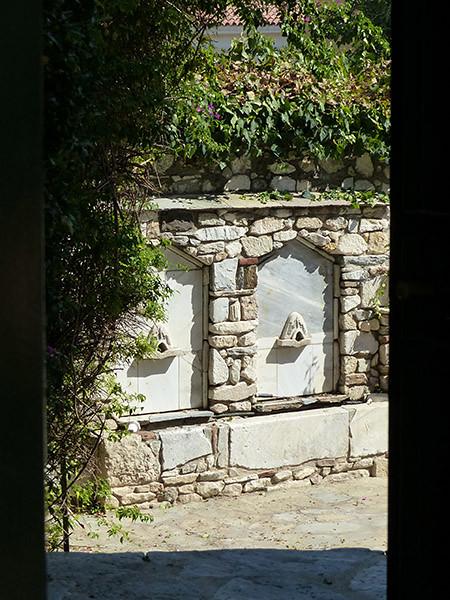 deux fontaines à Athènes