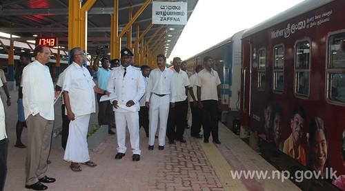 Governor joins Minister Douglas to visit Jaffna Railway Station - 27 October 2014
