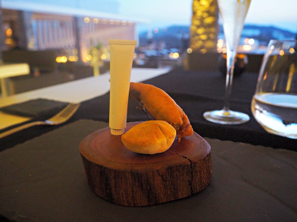 Bill & Coo suites mykonos restaurant taster menu 1
