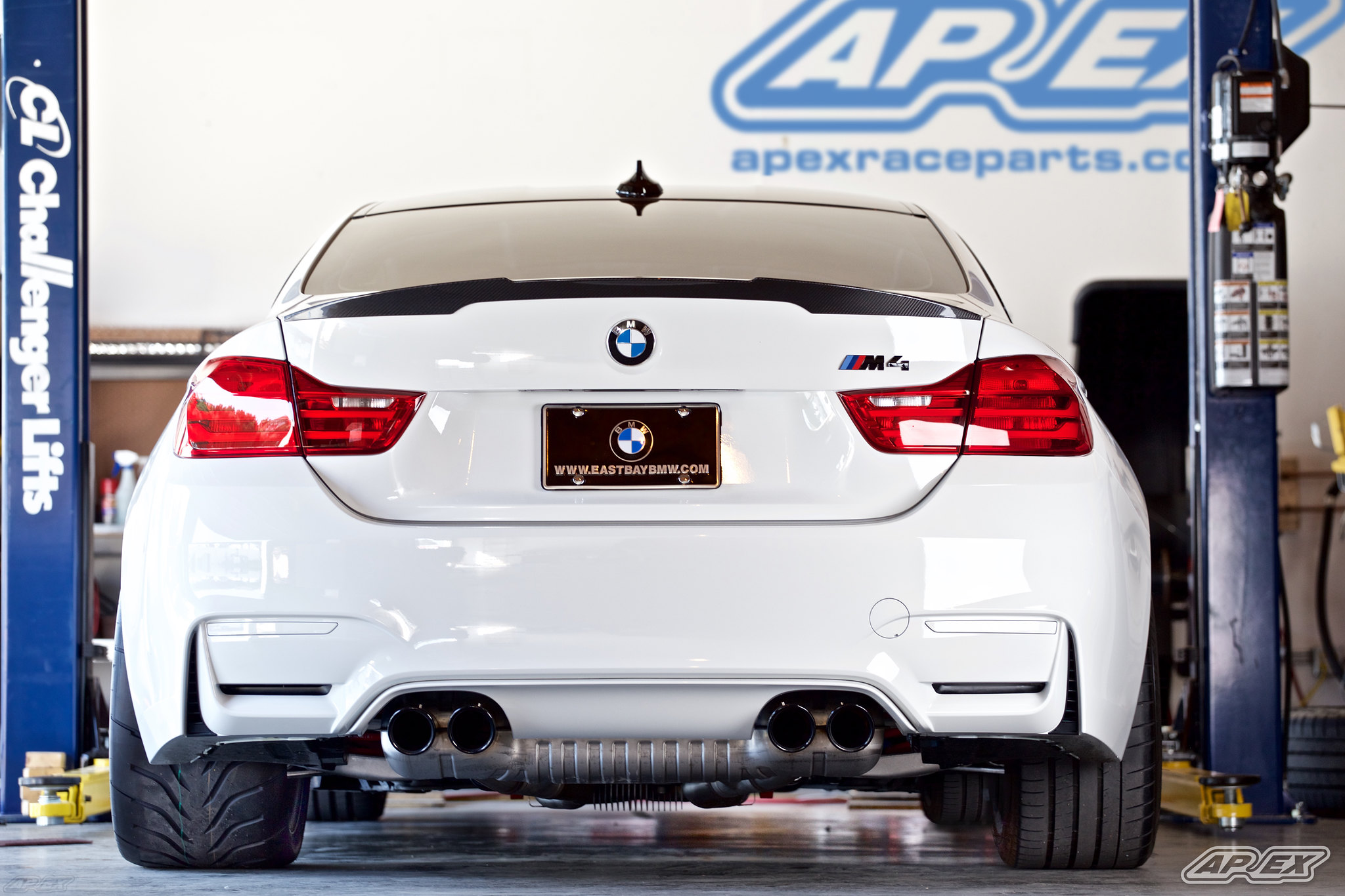 BMW F8X M4 APEX 18 Inch EC-7 Wheel Test Fit