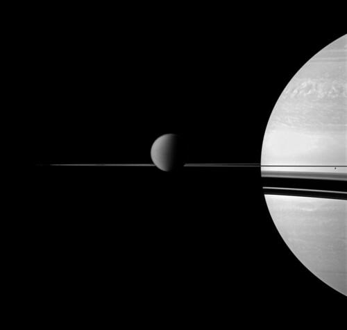 VCSE - Mai kép - Szaturnuszsz, Titan, Enceladus és a gyűrűk