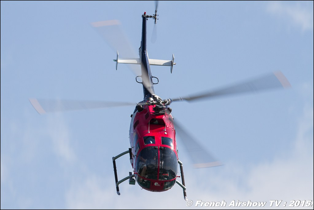 BO-105 Red Bulls , voltige Hélicoptere, Sankt Wolfgang / St Wolfgang : Austria , scalaria air challenge 2015, Meeting Aerien 2015