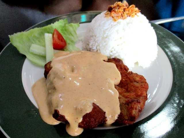 Le Cafe tom yam mayo chicken