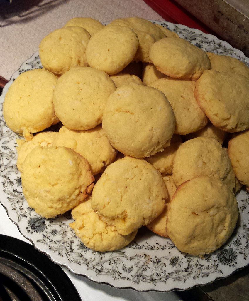 Broinhas (Brazilian Corn Cookies)
