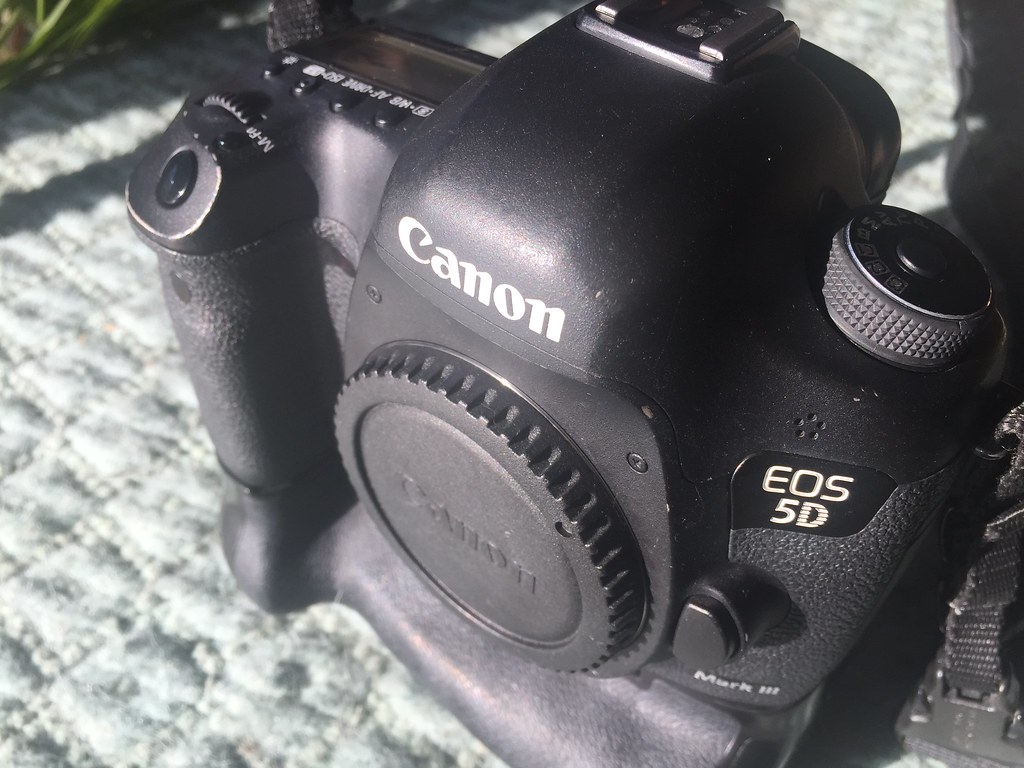 5d Mk Iii For Sale Canon 5d Mark Iii For Sale Barely