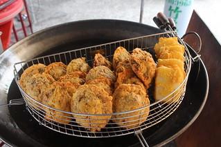 當地漁產直接做成小吃,新鮮好吃。攝影:廖靜蕙