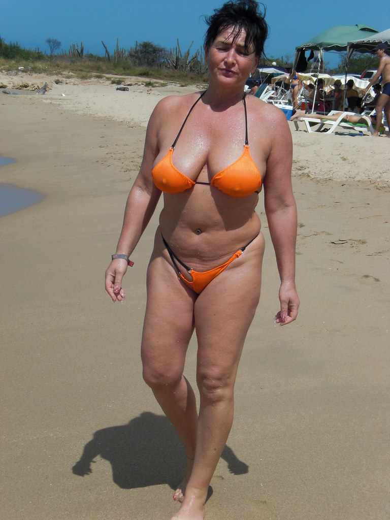 bikini-moms-photos-22632   Guy S   Flickr
