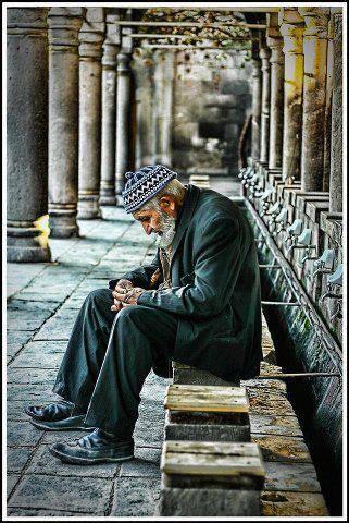 Delinin biri camiye girer, hikmetli sözler, Târık İleri,tarık ileri ısparta, Ayfer Aytaç