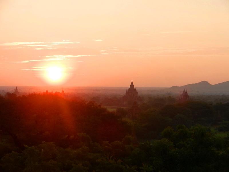 Баган, Мьянма, рассвет