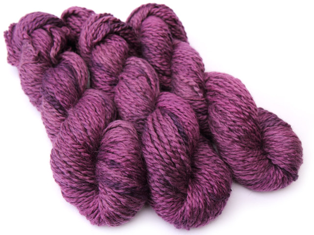 Marshmallow Cloud Baby Alpaca Chunky hand-dyed yarn 'Purple Rain'