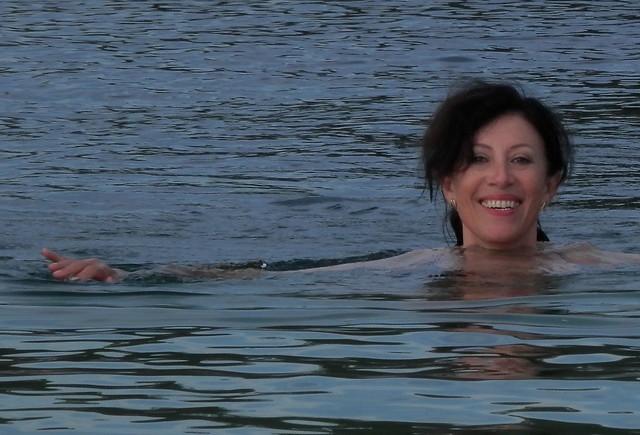 Sonriendo en agua fría 2