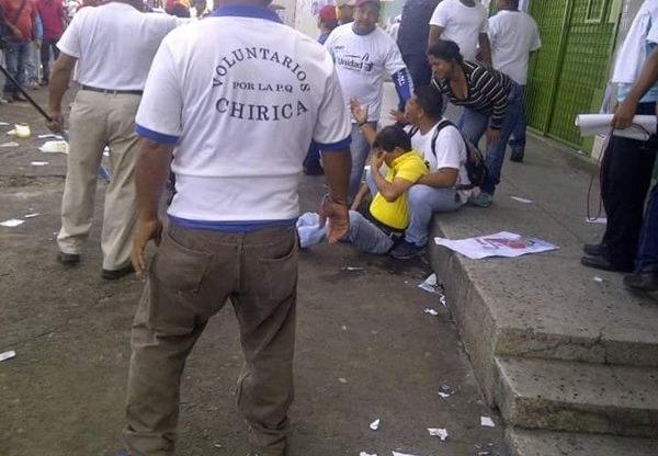 Durante la visita a Ciudad Guayana, le disparan a Capriles y hay heridos