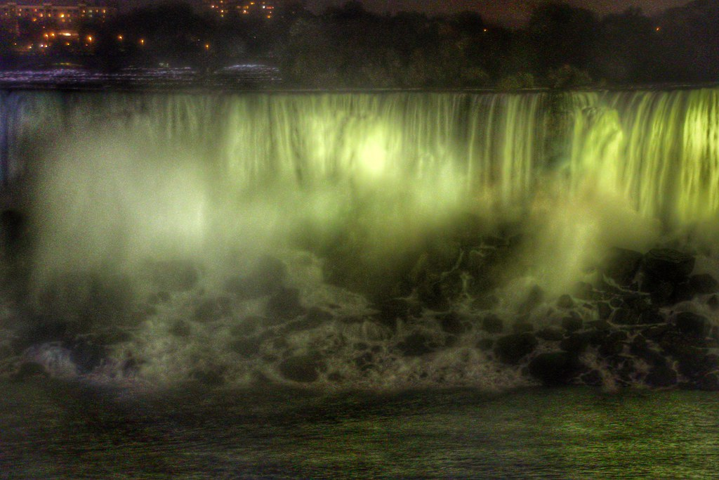 Best Niagara Falls Hotel Package Deals