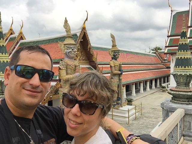 Sele y Rebeca en Bangkok