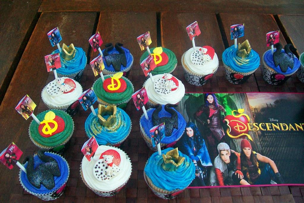 Quot Descendants Cupcakes Quot Treasures And Tiaras Kids Parties