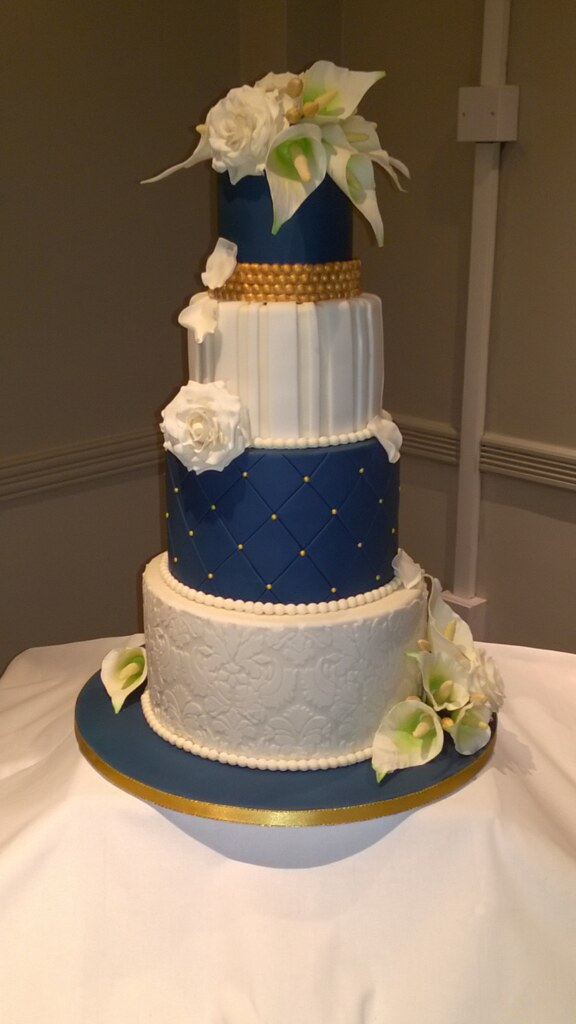 wedding cake navy blue and gold navy ivory amp gold wedding cake with handmade sugar flower 23301