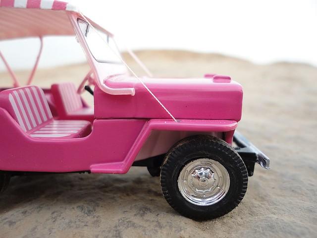 Jeep Willys DJ-3A Surrey (1959 - 1964) 1/43 (PCT - IXO)
