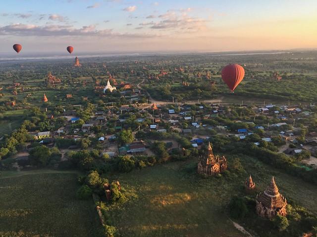 Globos sobre Bagan (Myanmar)