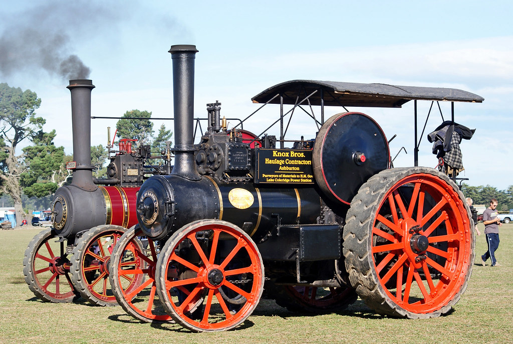 Twin steamers at the rally. | A traction engine is a self-pr… | Flickr