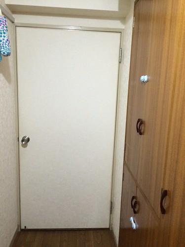 戸棚の扉のロック!