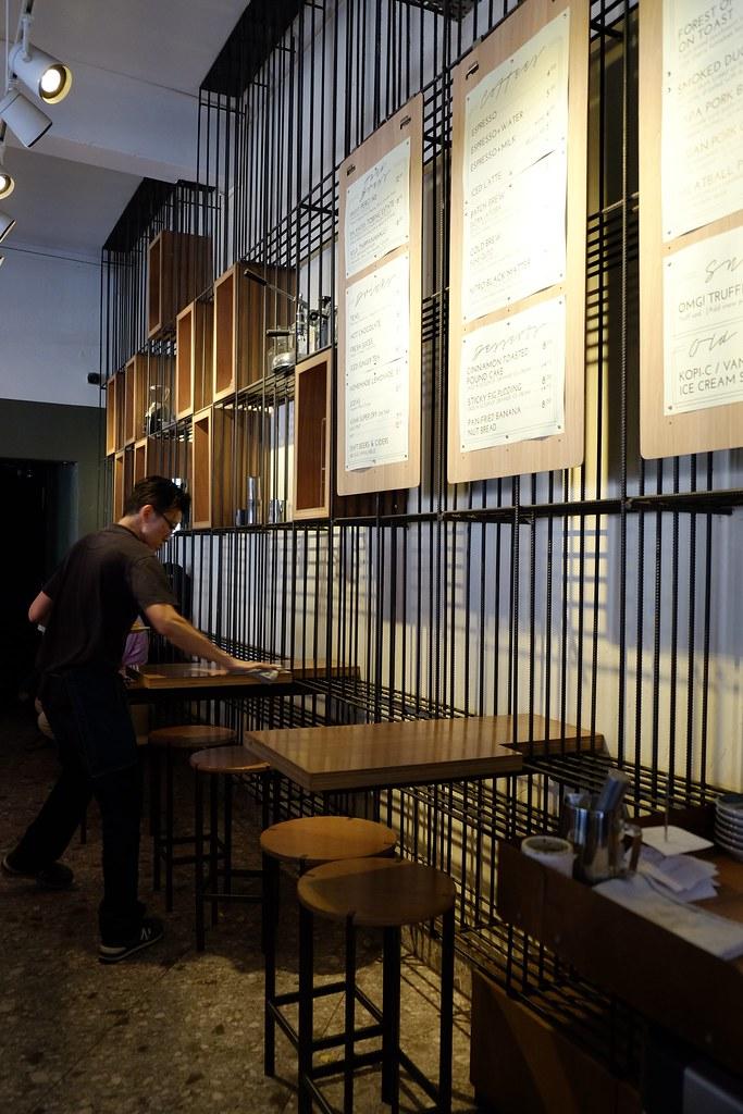 Singapore: Chye Seng Huat Hardware Coffee Bar On A Sunday Afternoon