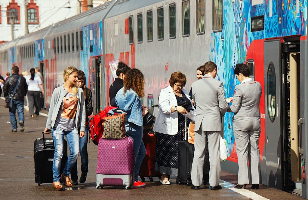 Фото огромных размеров поезд, транс трахает подругу в очко